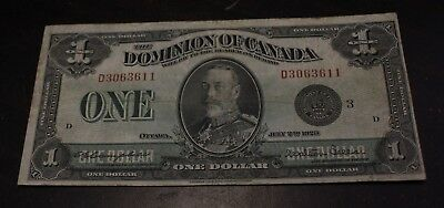 1923 $1 Dominion of Canada Goup 3 serie D  DC-25n 3063611