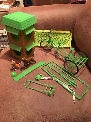 VINTAGE Mattel Sunshine Family PET HOUSE w Dog & Cat. Surrey Cycle Tandem Bike