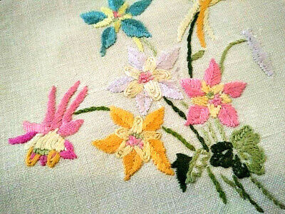 Charming 'Granny Bonnets' ~ Vintage Heavily Hand Embroidered Small Hanky Case