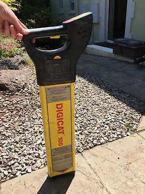 Leica Digicat 100 Cable Avoidance Tool / Cat Detector Scanner Nice Condition