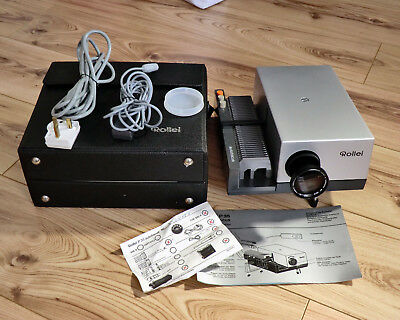 Rollei 35mm Slide Projector P35E Nr with Case,Manual, Remote and Power Lead