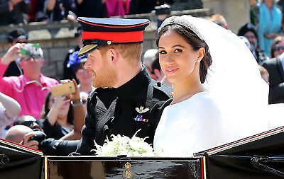 "Prince Harry And Meghan Markle Wedding Carriage Ride Pic Fridge Magnet 5"" X 3.5"""