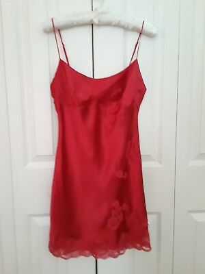Victoria's Secret Red  100% Silk Lace Inserts Babydoll Chemise Size Small Mint