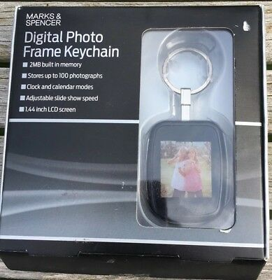 KEYCHAIN Digital Photo Frame Stores 100 photos from M&S. BOXED (New, unopened)