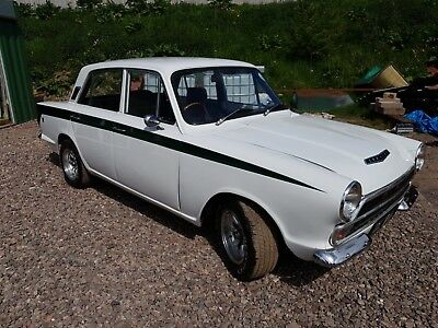 Ford mk1 cortina GT four door lotus colours