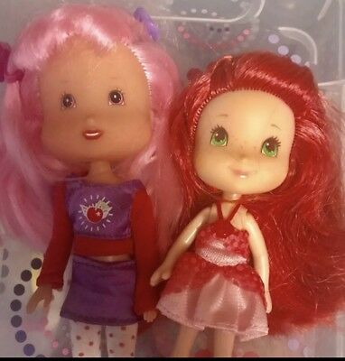 Vintage Strawberry Shortcake Dolls with Vanity Accessory in Excellent Condition!