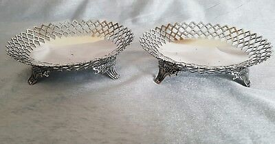 Pair of 1912 silver plated dishes by Elkington Plate