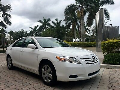 2007 Toyota Camry  2007 Toyota Camry Le! Clean AutoCheck Only 1 Owner. 96k Low Miles 2008 2009