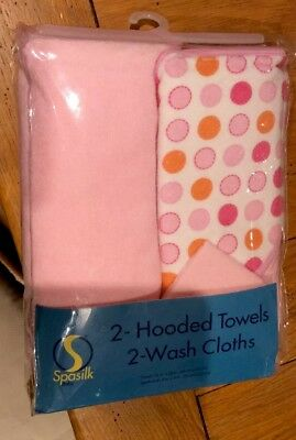 2 Hooded Towels And 2 Wash Cloths New Unopened.
