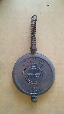 Vintage Griswold No.8 Cast Iron (Waffle)
