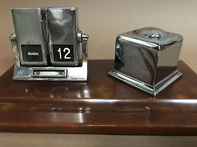 Art Deco  Bakelite Catalin Inkwell Writing Perpetual Flip Calendar Desk Set