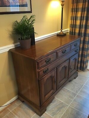 Solid Wood Maple Buffet Chest -Excellent Condition