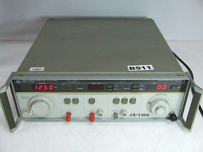 Hewlett Packard HP 8684A Signal Generator 5.4 to 12.5 GHz Opt 001 002 *Working *