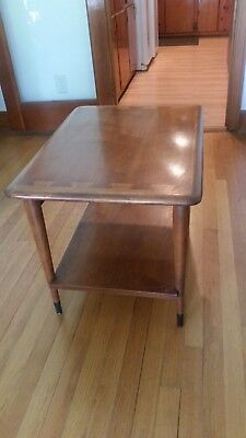Lane ACCLAIM Altavista Dovetail Top, End Table Walnut Mid Century Modern
