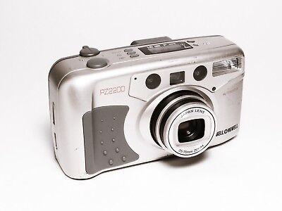 Bell + Howell PZ2200 35mm Filmm Point & Shoot Zoom Camera