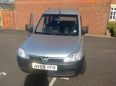 Vauxhall Combo Tour Automatic Wheelchair Scooter Disabled Access Car