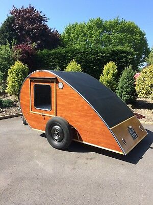 Teardrop Caravan. Hot Rod Retro Kombi Camper