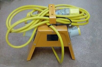 110v 4 Way Splitter / Distribution Box , used 4m Long Cable