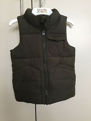 Country Road puffer vest kids, olive size 2-3 boys or girls very good condition