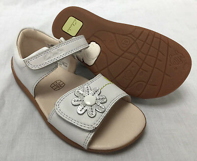 BNIB Clarks Girls Softly Eve White Combi Leather First Sandals F/G Fitting