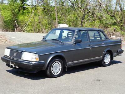 1991 Volvo 240 SEDAN SUPER RARE COLLECTIBLE CAR 1-OWNER 102K Mls! NO RESERVE HEATED SEATS CASSETTE PLAYER OWNER'S MANUAL EXTRA CLEAN RUNS GREAT