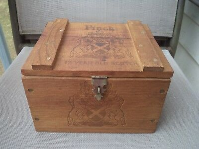 Vintage Haig & Haig Pinch 12 Year Old Scotch Whiskey Wood Box (empty)