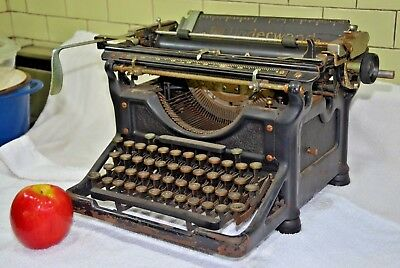 Antique Underwood No 11 Typewriter , Original & ready for Restore