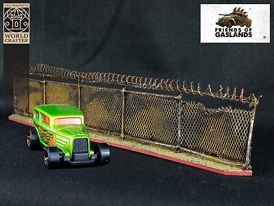 Gaslands Miniature Chain Link Fence with Razor Wire Scenery 20mm