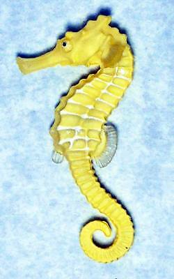 Kitan Club Nature Techni Color Great Seahorse figure light Yellow magnet new