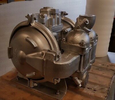 "sandpiper / warren rupp 11/2"" double diaphragm pump stainless steel"
