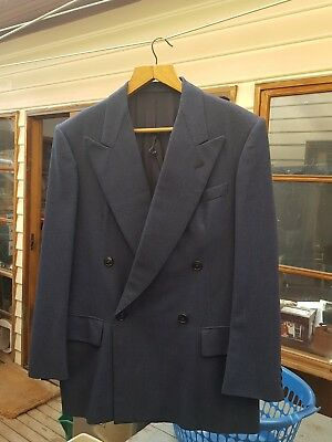 Vintage double breasted suit. small
