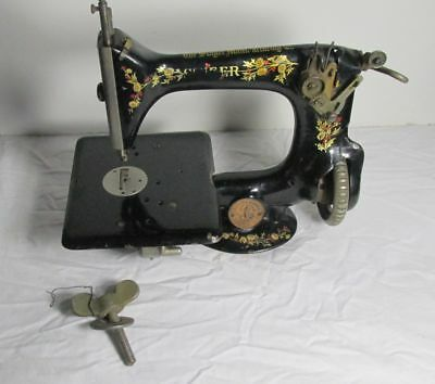 ANTIQUE SINGER SEWING MACHINE VINTAGE 24 - 52 1800's Red Berry RARE