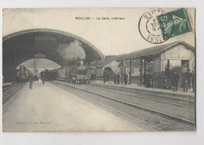 MOULINS (Allier) - 1909 - Intérieur de la Gare - Animée - Train - Locomotive