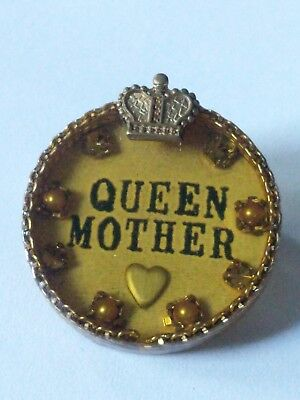 Vintage Signed MAXIMAL ART Antique Gold Tone QUEEN MOTHER Brooch Pin!