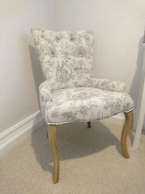 Small Button-back Chair (reproduction French)