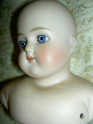 Antique bisque German doll ABG 639 turned shoulderhead, closed mouth, glass eyes