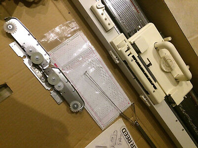 STRICKMASCHINE SILVER REED Modell 210