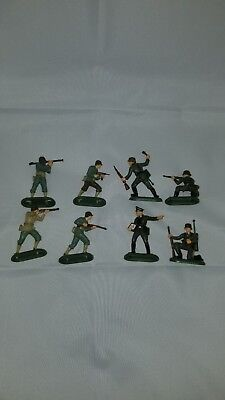 1971 Britains WW2 US and German Soldiers Lot of 8