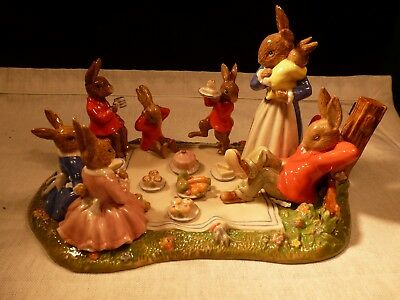 "New Very Rare Royal Doulton Bunnykins 2010 Tableau ""family Picnic"" Only 400 Made"