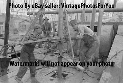 Vintage/Old 1939 Texas Roughneck Oil Field/Well/Drilling/Equipment Rig Photo