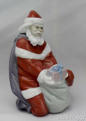 Retired - LLADRO  *A GIFT FROM SANTA* #6575 - Mint Condition