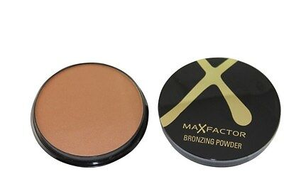 Max Factor Bronzing Powder for great bronzed look World wide Free Postage