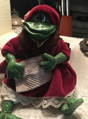 Vintage russ frog/toad Sits On Mantle Or Shelf Item 2656