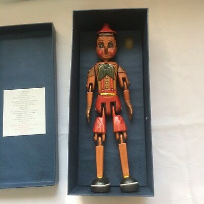 HAND CARVED & PAINTED WOODEN DOLL - PINOCCHIO in box - collector - toy