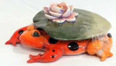 """Danisha """"lily'S Hat"""" Limited Edition Hand-Painted Porcelain Frog Sculpture"""
