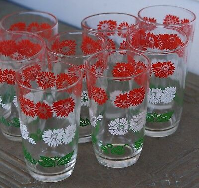Swanky Swig Juice Glass Bachelor Button Red White Flower Green Leaves SET of 8