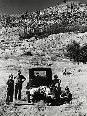 1937 Vintage 11x14 Photograph Migrant Family Stalled on a Highway in New Mexico