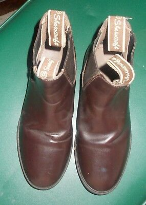 **SHOWCRAFT  MASTERS** BROWN   LEATHER RIDING   BOOTS  SIZE 3  Excellent  Cond