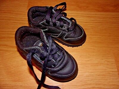 a6911582 Reebok Infant/Toddler Classic Shoe in Black in Size 4 Pre-Owned