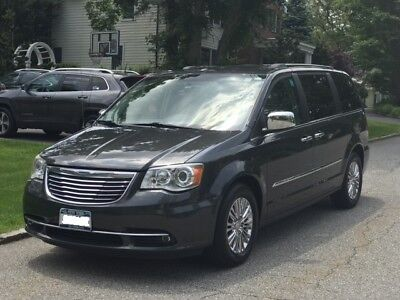 2011 Chrysler Town & Country Limited 2011 Chrysler Town and Country Limited 75.4K miles Fully Loaded - Excellent Cond